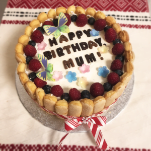 You need a birthday cake for mum? Order one now, we deliver in Cardiff!